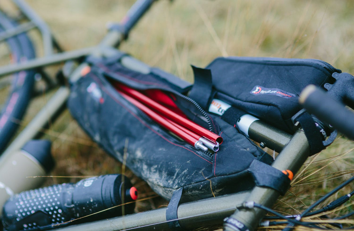 Tangle Framebag Revelate Designs Pannier